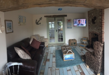 Sunset View holiday cottage Norfolk living area