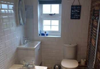 Sunset View holiday cottage Norfolk bathroom